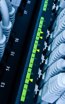 Kompleksowe projektowanie firmowych sieci komputerowych